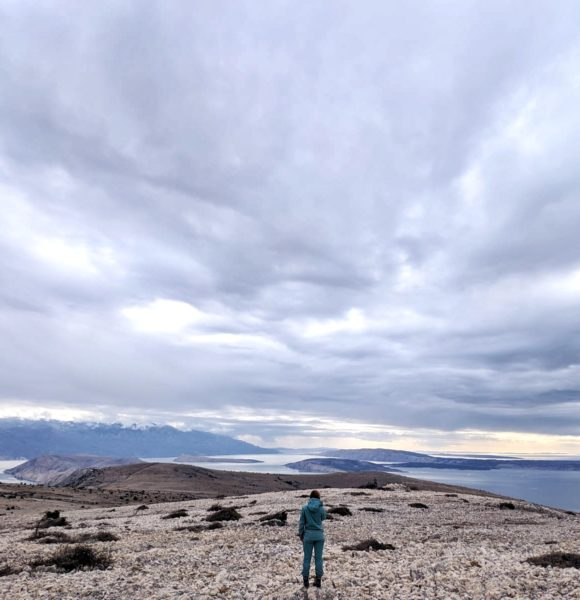 Kako sam otok Krk upoznala na teži način – planinarenjem po kršu