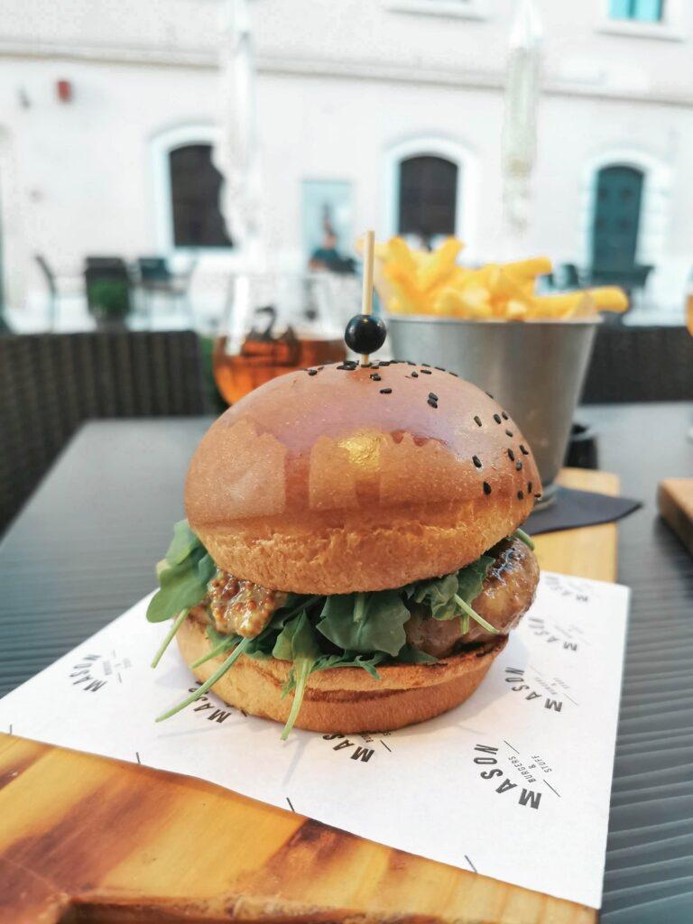 mason_burger_pula
